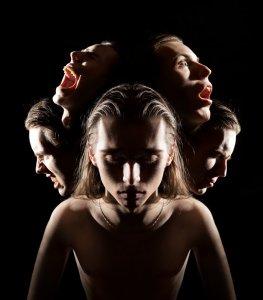 20 comportamentos de quem pratica o abuso psicológico/emocional