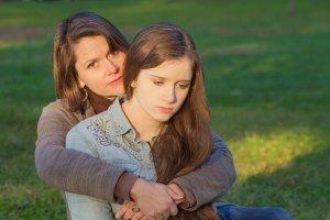 Eu devo perdoar a minha mãe narcisista? 5 mitos sobre o perdão